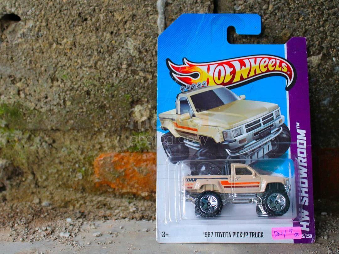 1987 Toyota Pickup Truck  Anggap kondisi cardbubble jelek Harga paketan : 40K  Harap teliti sebelum membeli. Fast response : 0..8..1..1..8..5..8..5..0..77 (Whatsapp)  #hotwheels #mattel #diecast #hotwheelscollector #jualbelihotwheels #hotwheelsmania #hotwheelsjakarta #hotwheelsmurah #hotwheelsaddict #diecastcollector #toysforsale #jualmainan #jualhotwheels #jualhotwheelsmurah #jualanhotwheels #diecastforsale #hotwheelslovers #hotwheelskaskus #hotwheelsindonesia #hotwheelsaddict #hotwheelssale #hotwheelsindo #hotwheelsjakarta #hotwheelsfactorysealed #hotwheelsrealriders #hotwheelsthunt #diecast #diecastindo #diecastindonesia #hotwheelshunter #hotwheelsforsale  #hotwheelsindonesia #jualanhotwheelsmurah by rainnerius_deny