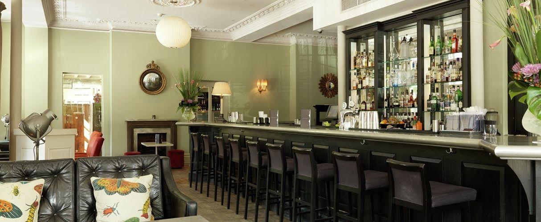 Gordon ramsay york and albany bar