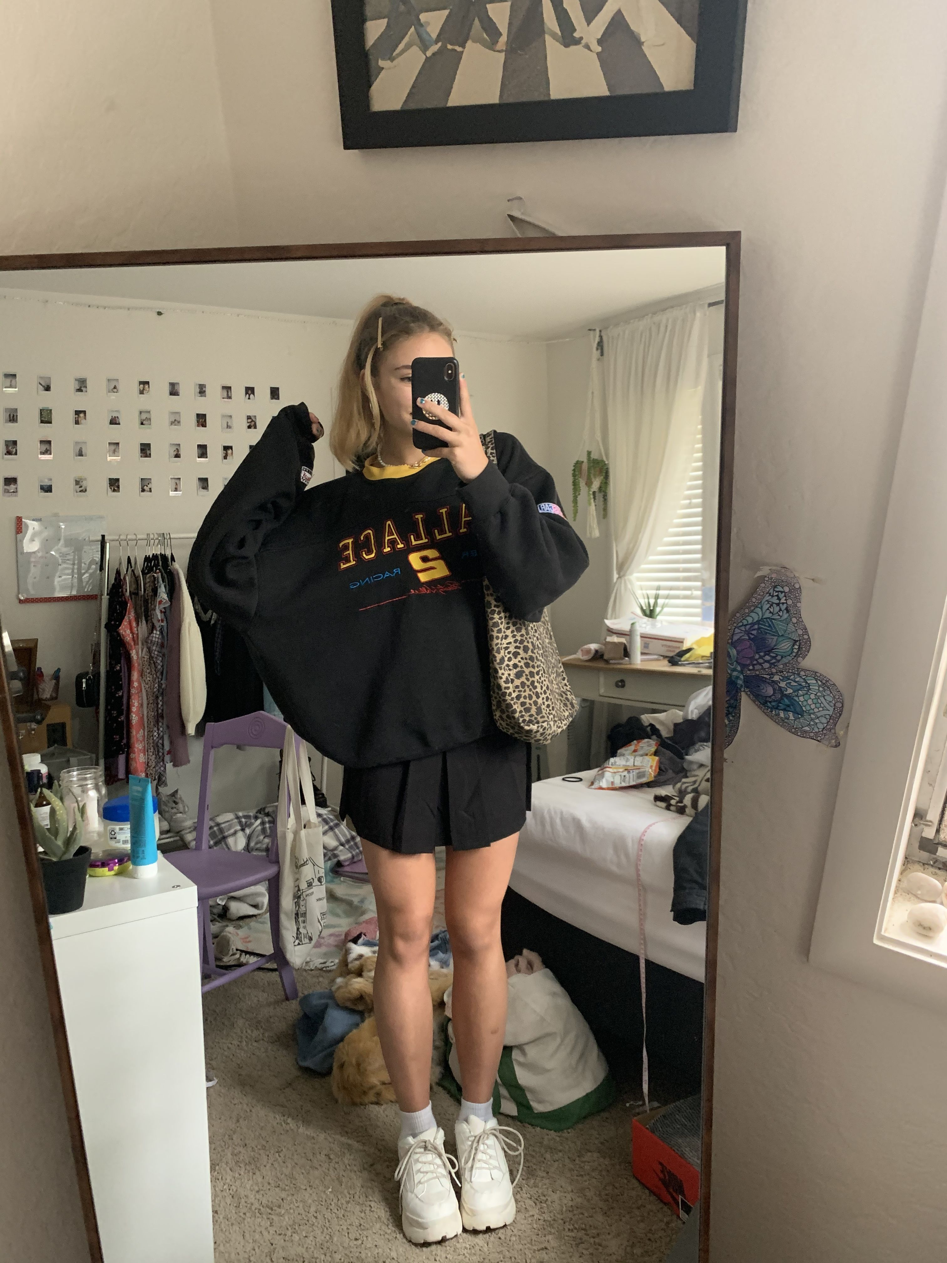 Oversized Sweatshirt In 2020 Tennis Skirt Outfit Fashion Inspo Outfits Cute Casual Outfits