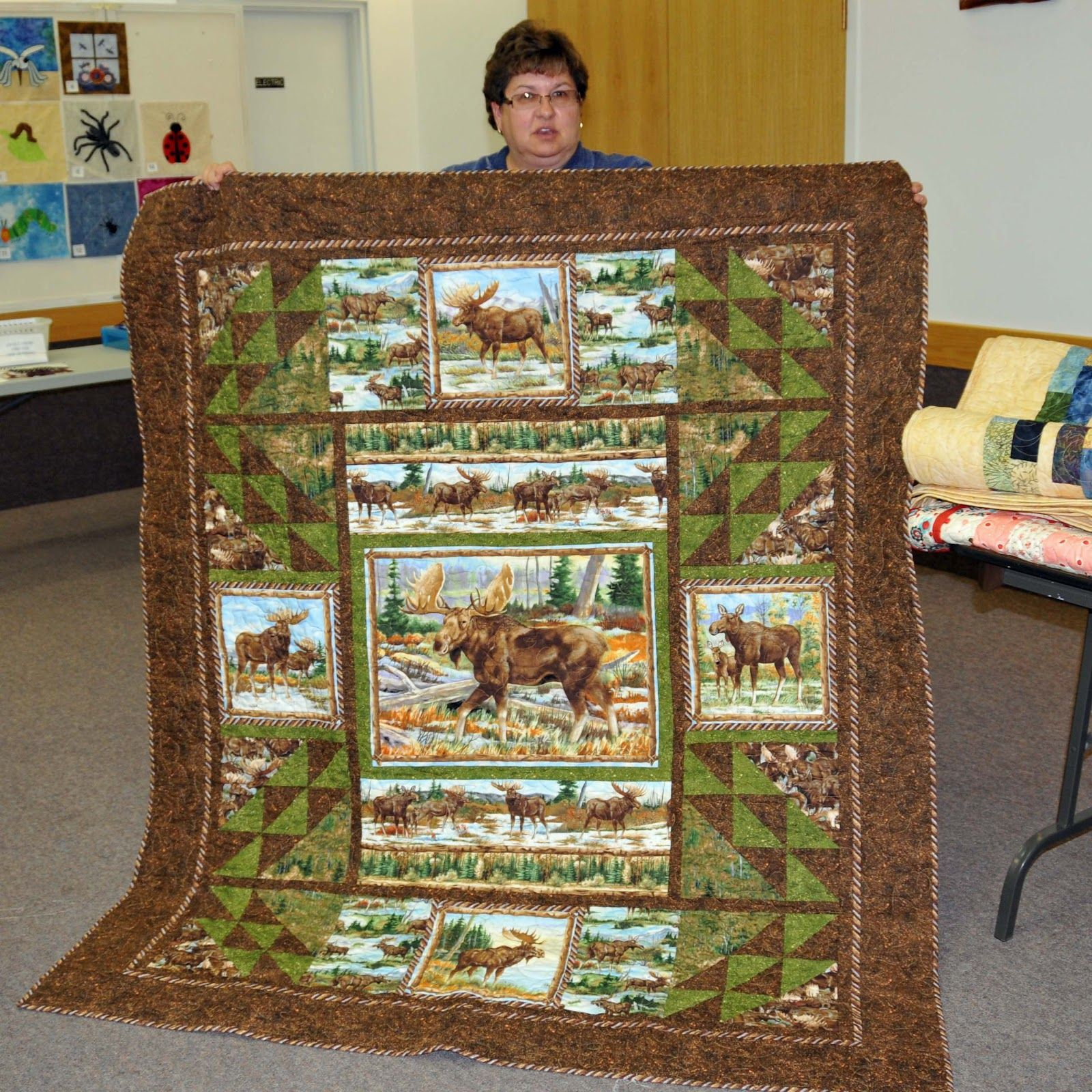 Interesting use for panel pieces north star quilt guild - Colchas y edredones ...