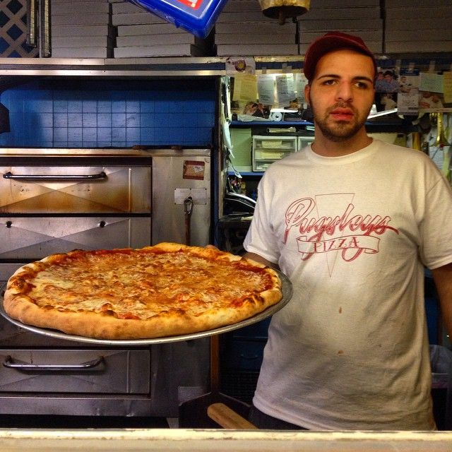 """Fresh out of the oven... #bronx #nyc #tourism #travelling #newyorkcity #iloveny #usa #travel #tourist #newjersey #canada #connecticut #westchester #manhattan #igtravel #arthuravenue #italian #italy #bronxlove #bronxlife #bronxlittleitaly #pugsleys #fordhamroad #fordhamuniversity"" Photo taken by @bronxtours on Instagram, pinned via the InstaPin iOS App! http://www.instapinapp.com (03/08/2015)"