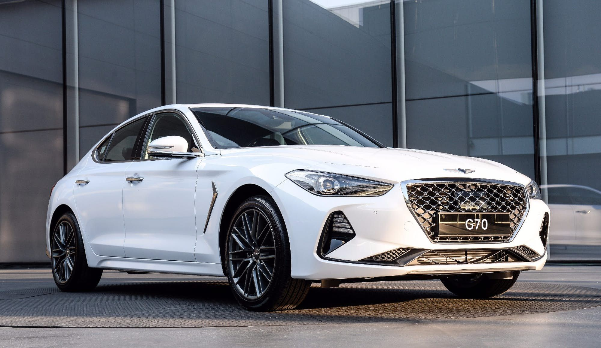 Hyundai puts luxury spin on the Stinger with Genesis G70