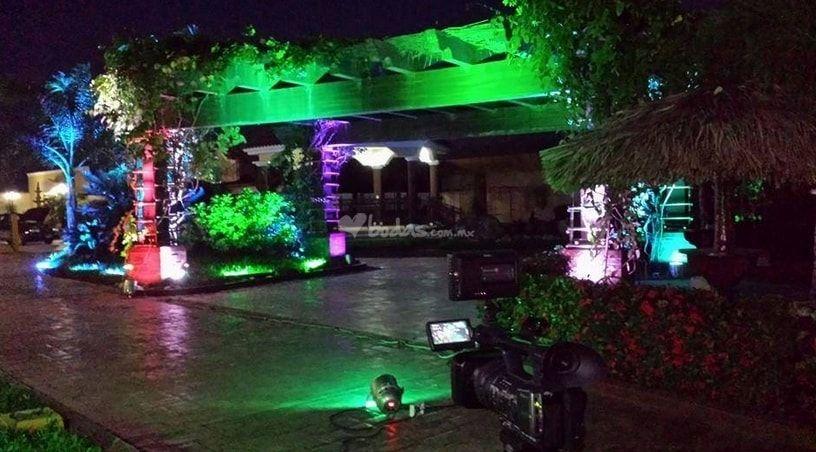 Iluminaci n jard n de elegance eventos foto 5 - Iluminacion de jardines fotos ...