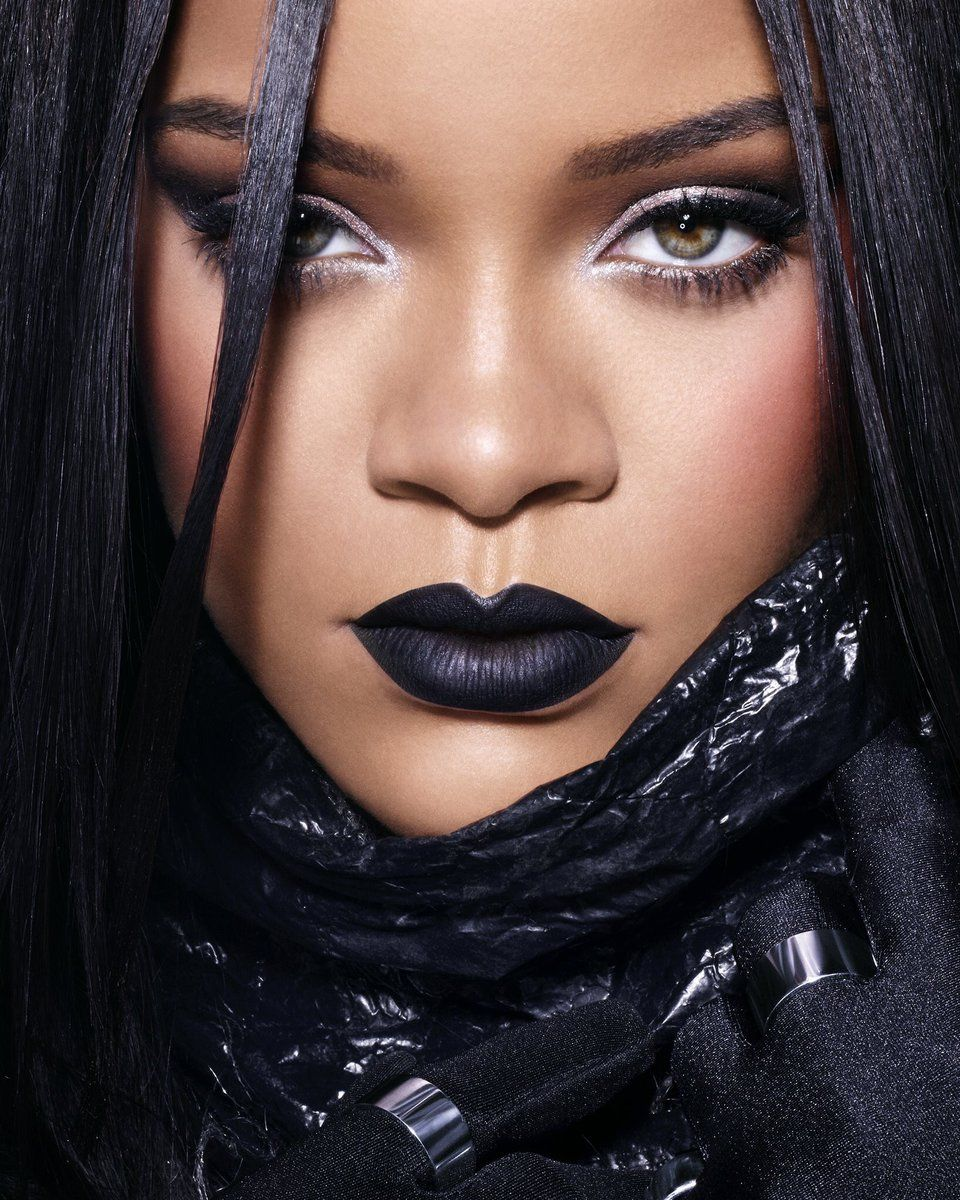 Rihanna Reps For Fenty Beauty In Dubai, Introduce Black