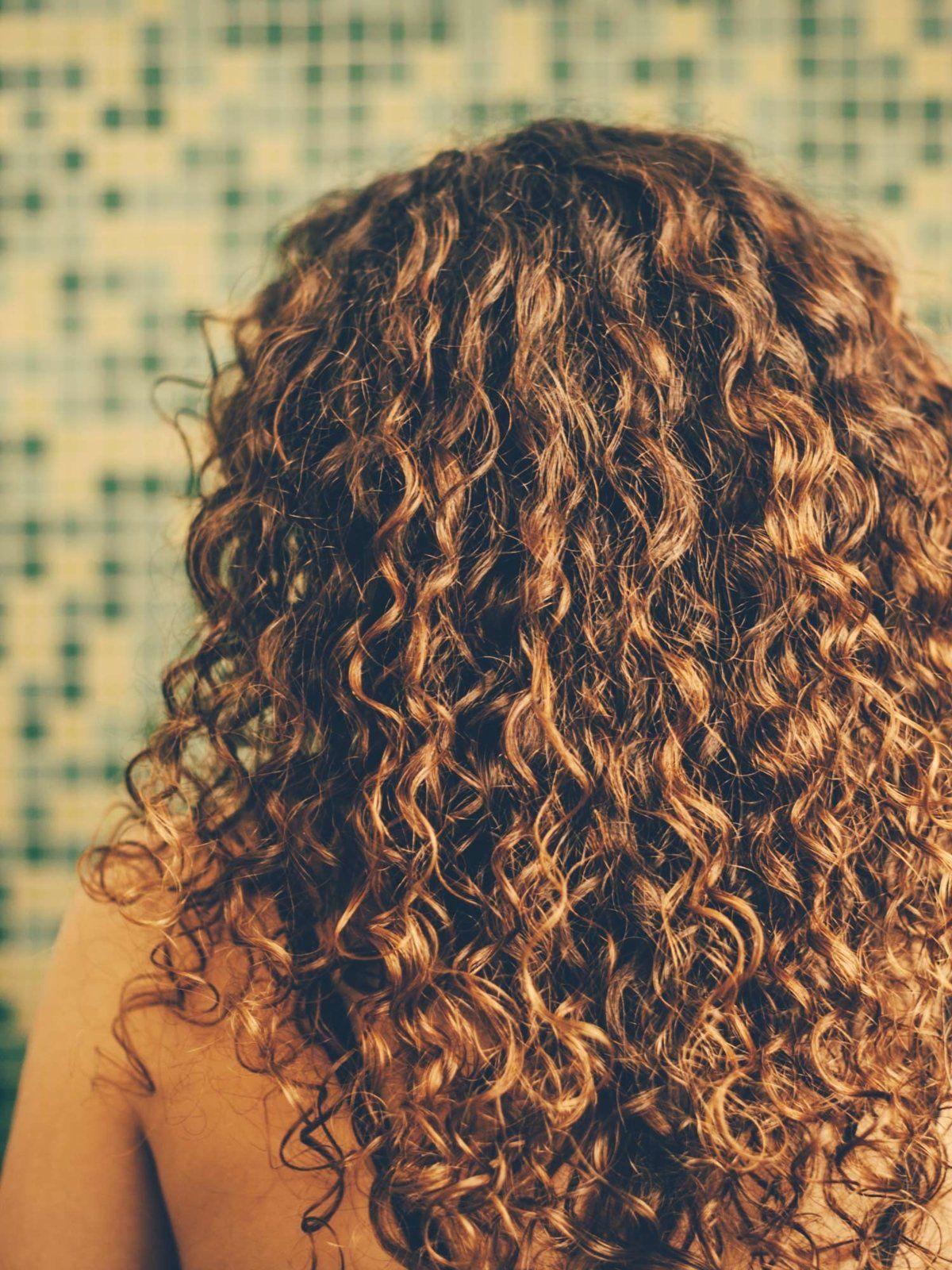 Dauerwelle Bei Schulterlangen Haaren