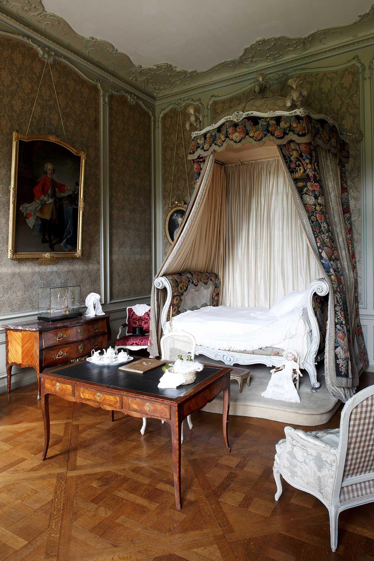 puy de d me ch teau de parentignat lit louis xv ch teaux de france pinterest. Black Bedroom Furniture Sets. Home Design Ideas