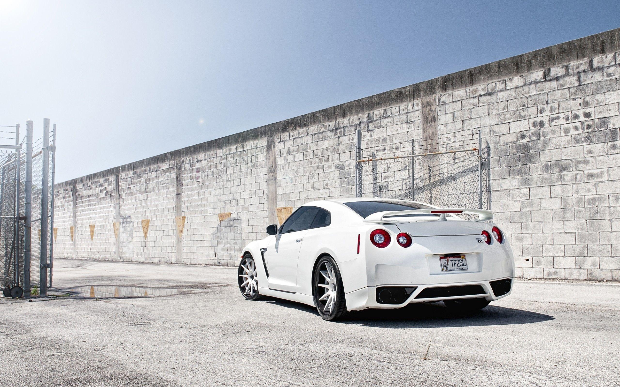 Nissan Skyline GTR R Wallpapers Wallpaper