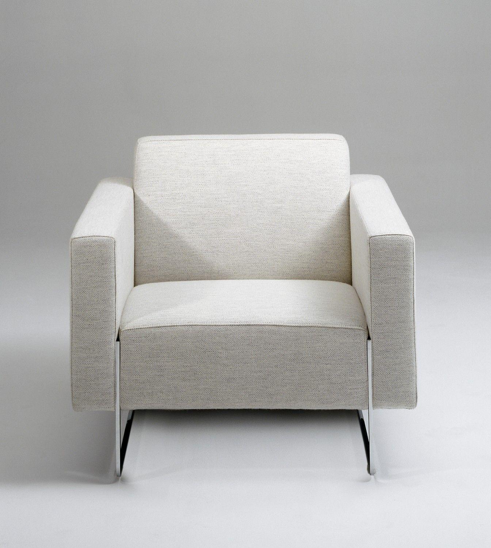 Kenmerkend voor fauteuil Artifort Mare is de strakke tijdloze en