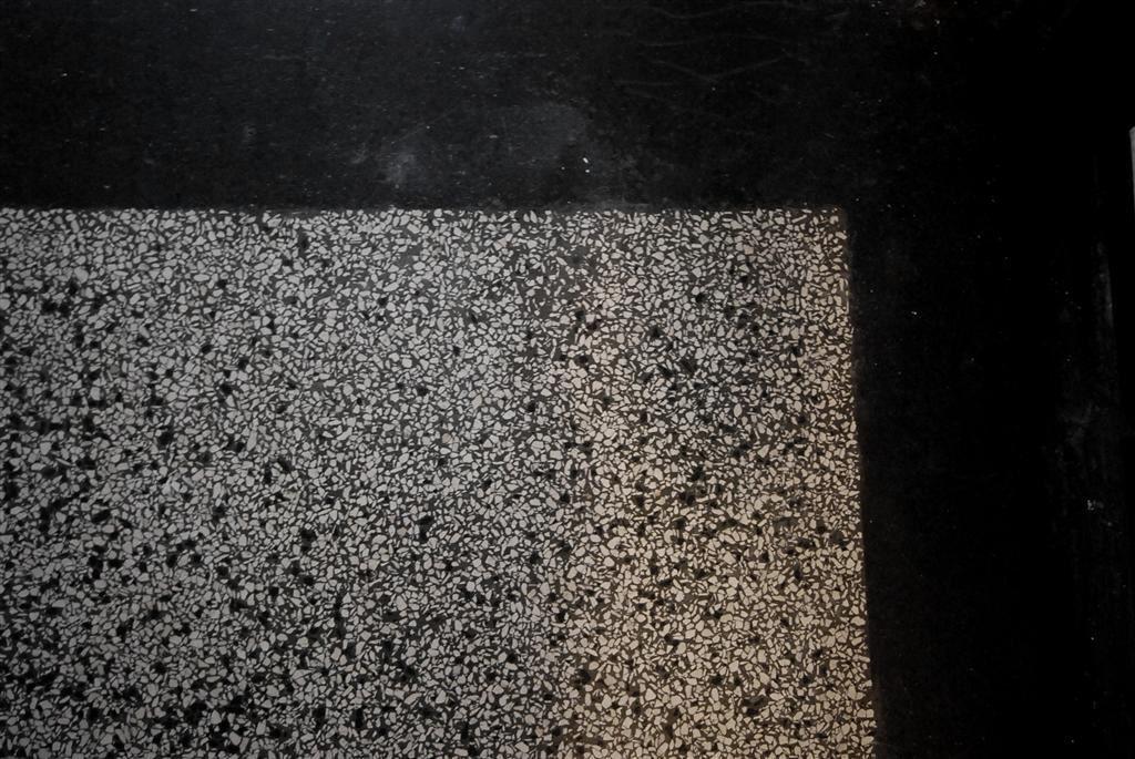 Jaren30woningen.nl | Detail van een authentieke #terrazzo vloer