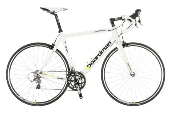 Boardman Road Team Carbon Bike Limited Edition Medium 53cm takes you on an exciting ride every time.