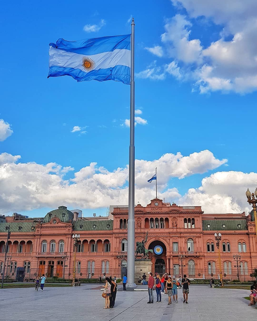 Que Hacer En Buenos Aires Hat Ein Foto Auf Instagram Gepostet Casa Rosada Sede Del Poder Ejecuti En 2020 Ciudad De Buenos Aires Buenos Aires Tourism Buenos Aires