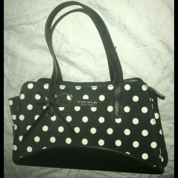 Kate Spade Polka Dot Makeup bag Great preowned condition kate spade Bags Cosmetic Bags & Cases