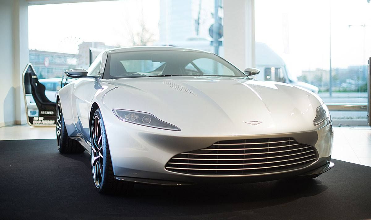 aston martin db10 my favorite car pinterest aston martin db10 aston martin and cars. Black Bedroom Furniture Sets. Home Design Ideas