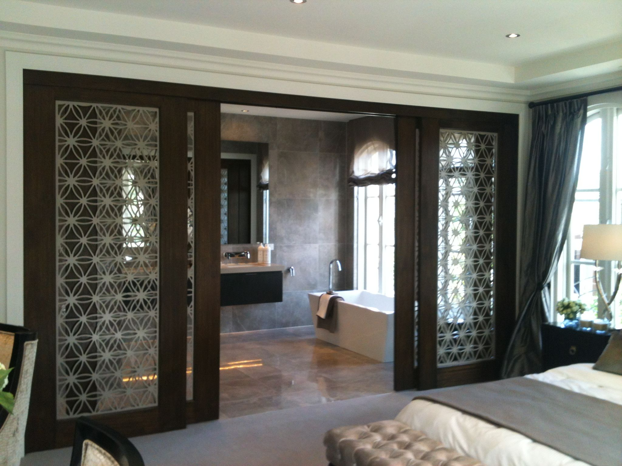 Screen art high end internal residential sliding doors for Residential sliding doors