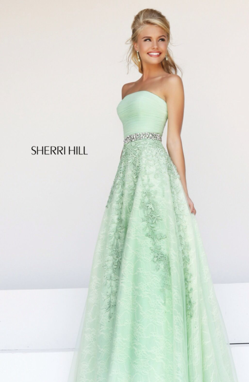 Green dress prom  Pin by Chloe Brown on cute dresses  Pinterest  Prom Gowns and Clothes