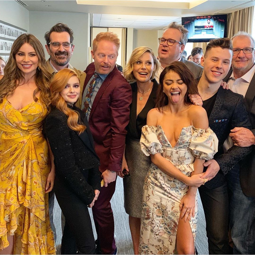 Sarah Hyland On Instagram Don T Cry Because It S Over Smile Because It Happened To Put It In Bachelor Terms In 2020 Sarah Hyland Modern Family Red Carpet Dresses