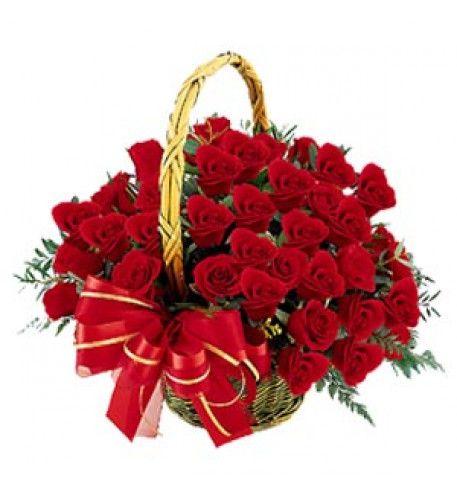 Mazzo Di Fiori Anniversario.Cestini Di Fiori Di Rose Per Il Tuo Anniversario Rose Rosse