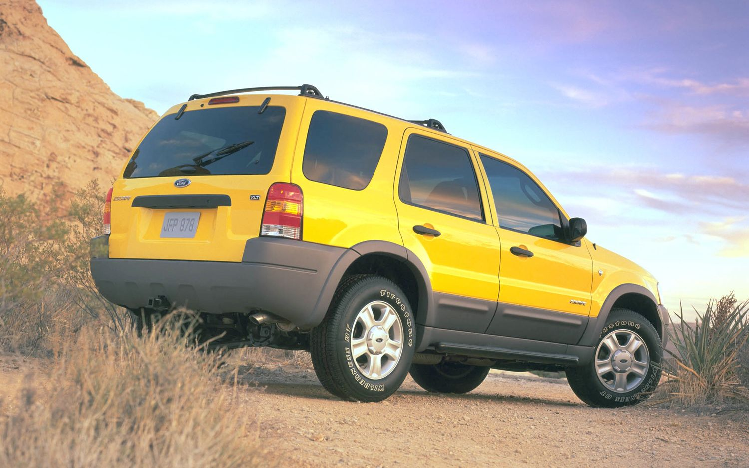 Ford Escape Review Research New Used Ford Escape Models Edmunds Ford Escape Ford Suv Ford