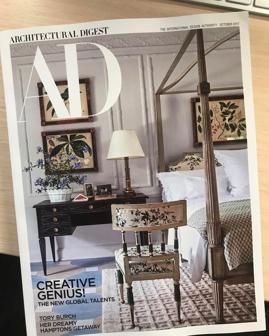 96d8e9cc536 Chintz ahoy! Ravishing alternate cover of the new issue of AD  the Hamptons  bedroom
