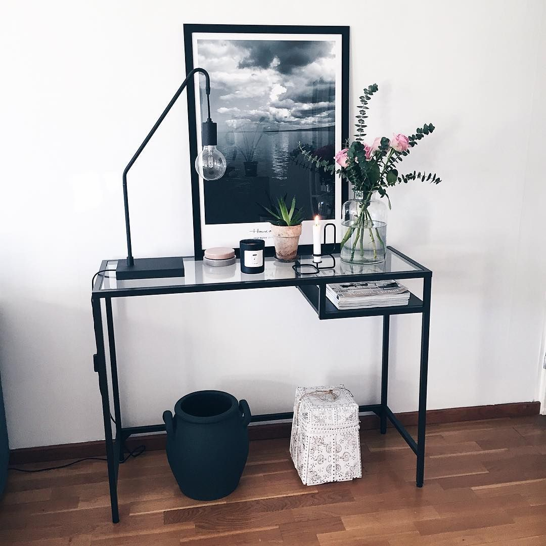 Ikea'Vittsjö' desk as sideboard by @amandaxelssson Emmas pysselhörna Pinterest Inredning