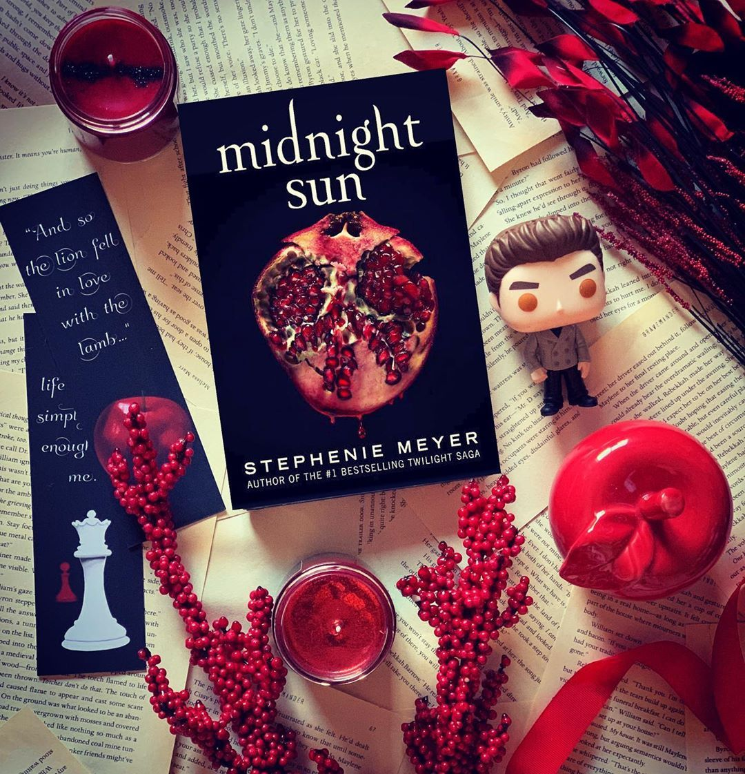 1 820 Likes 84 Comments Sam The Fangirl Sam The Fangirl On Instagram Qotd What Book Are You Eagerl In 2020 Midnight Sun Twilight Twilight Saga Twilight Book