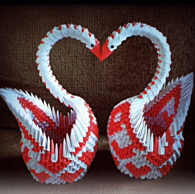 I Made These Beautiful Swans In Heart Patterns For My Uncle And His Wife When They Moved The New Home