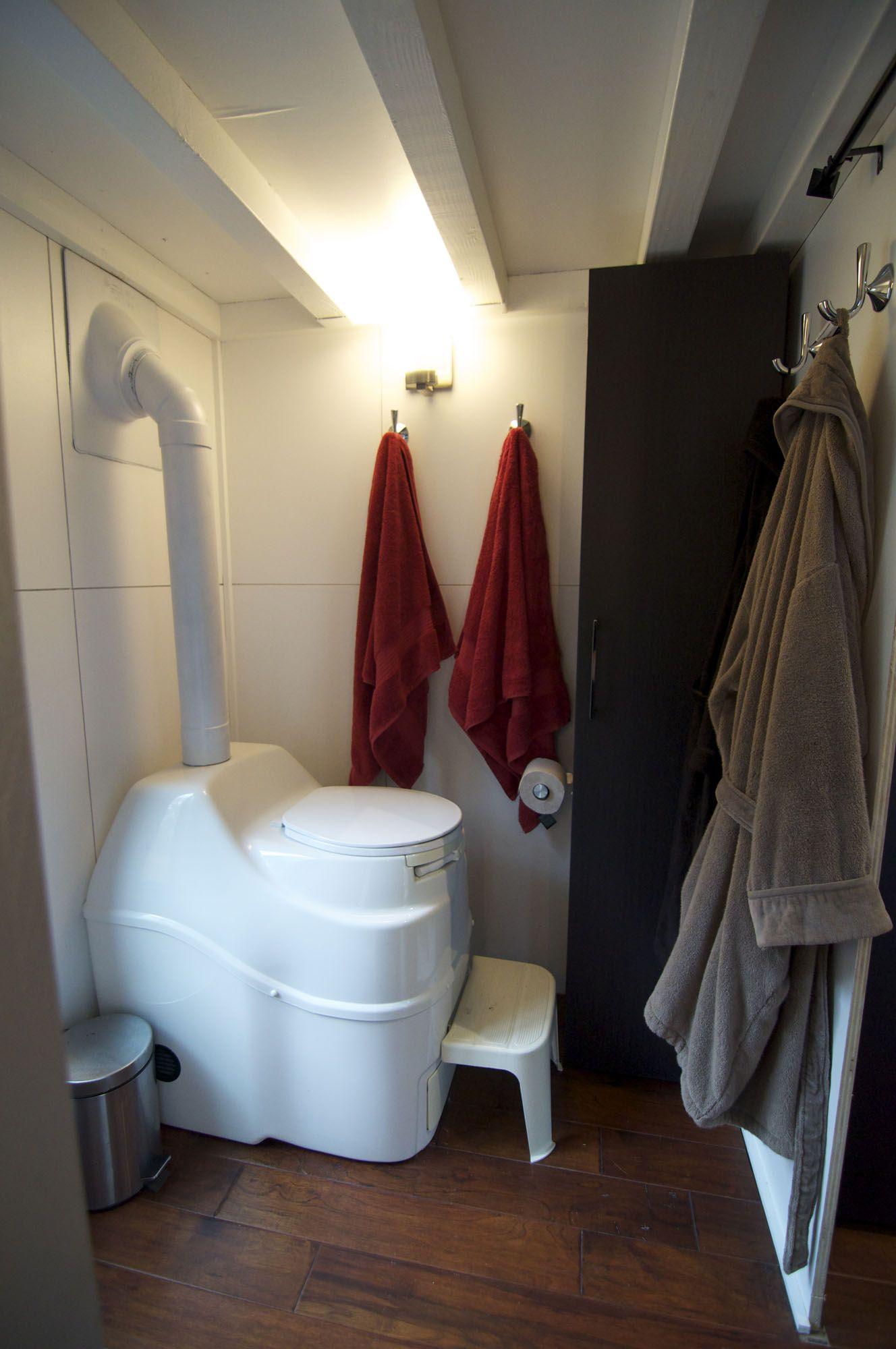 Bathroom Toilet Tiny House On Wheels Modern Tiny House Tiny House Bathtub Tiny House Inspiration