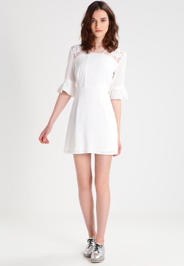 d2361035b5 ¡Consigue este tipo de vestido informal de Fashion Union ahora! Haz clic  para ver