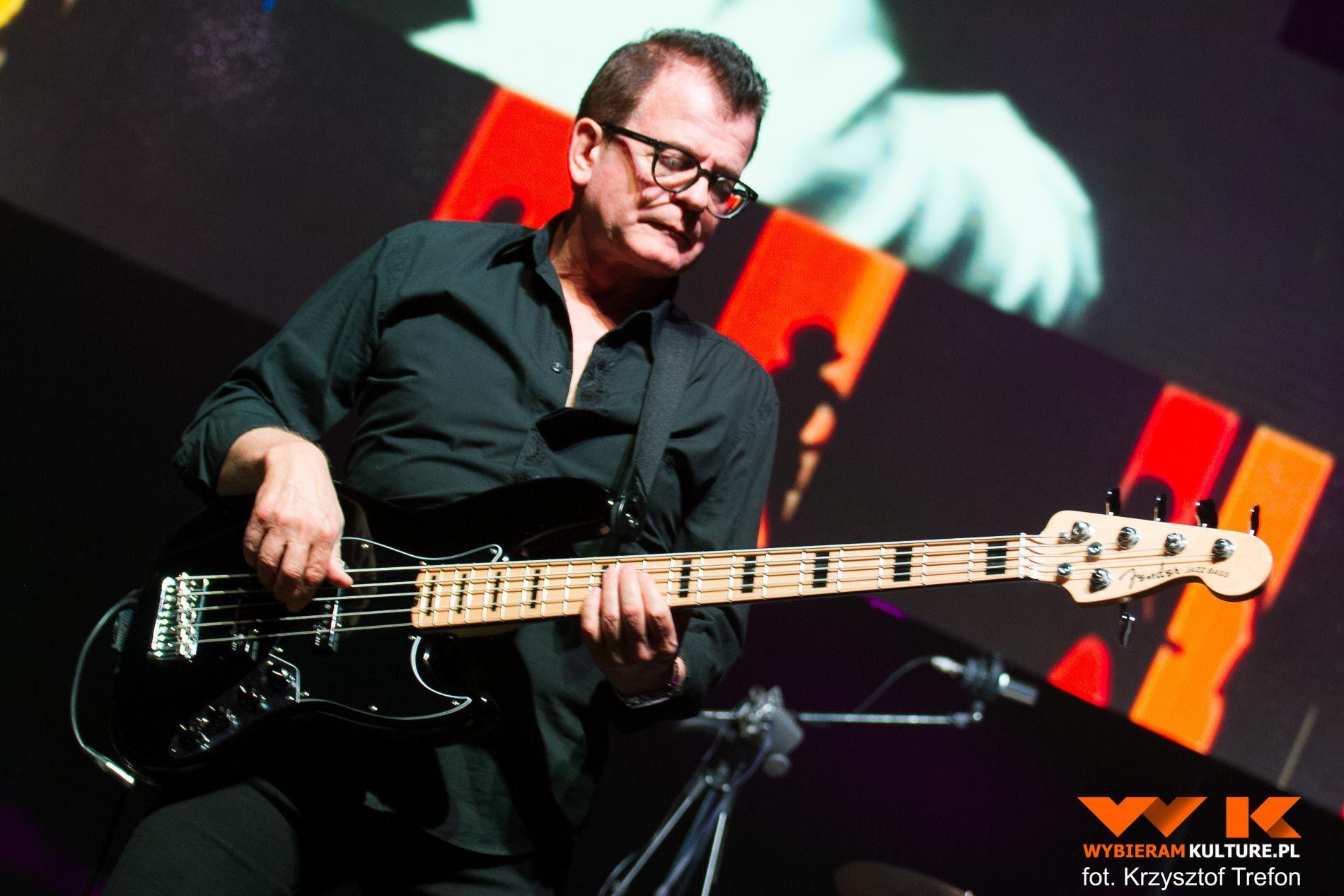Relacja Krolowie Zycia Kombii O N A 40 Lecie Pracy Tworczej Skawinskiego I Tkaczyka Bassist Guitar Music