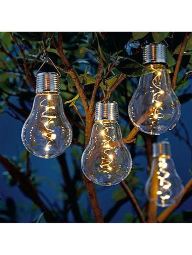 Mit Dieser Kreativen Beleuchtung Geht Ihnen In Lauen Sommernachte Ein Licht Auf Garten Lampen Deko Lampen Garten Garten Deko Solarleuchten