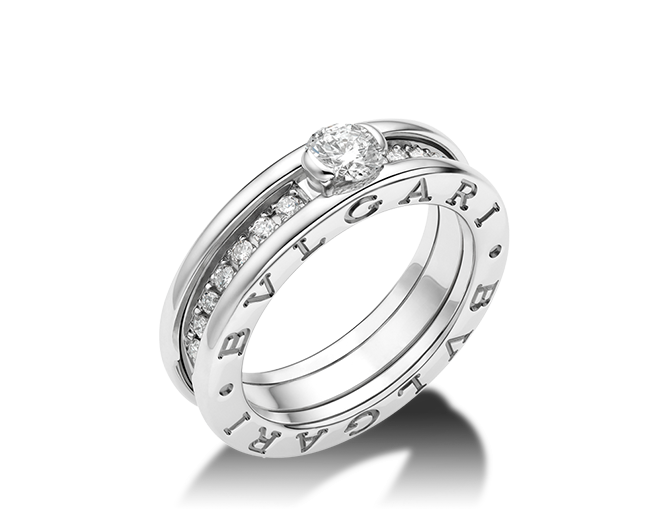 bzero1 ring in 18 kt white gold with round brilliant cut diamond and pav