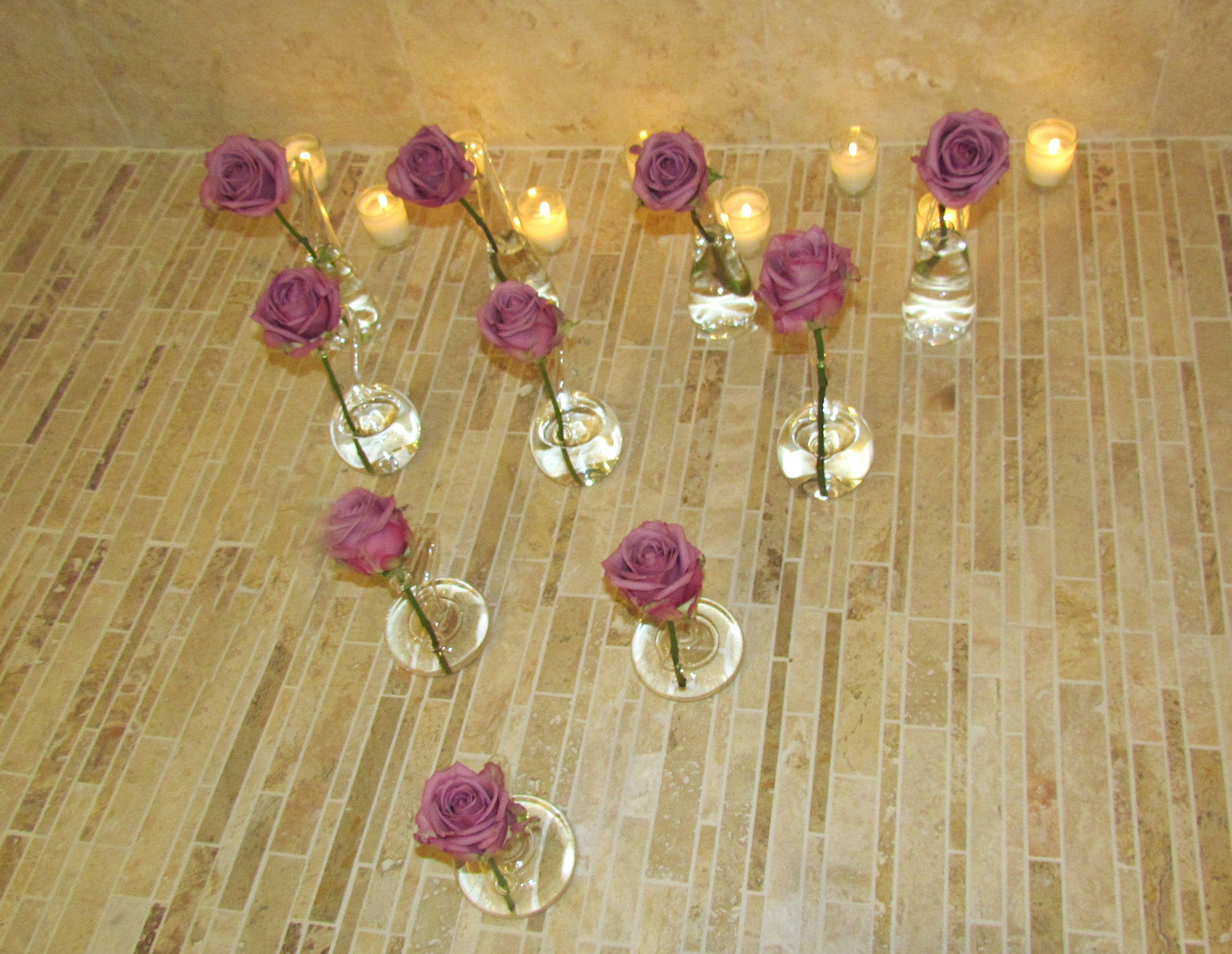 Single Stem Glass Flower Vases #roses #flowers #floraldesign #interiordesign #accessories #homedecor