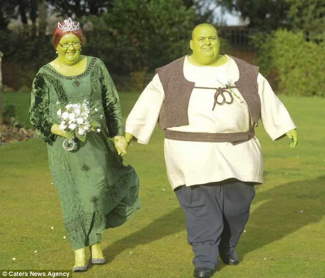 Are you green with envy? Couple dress up as Shrek and Princess Fiona ...