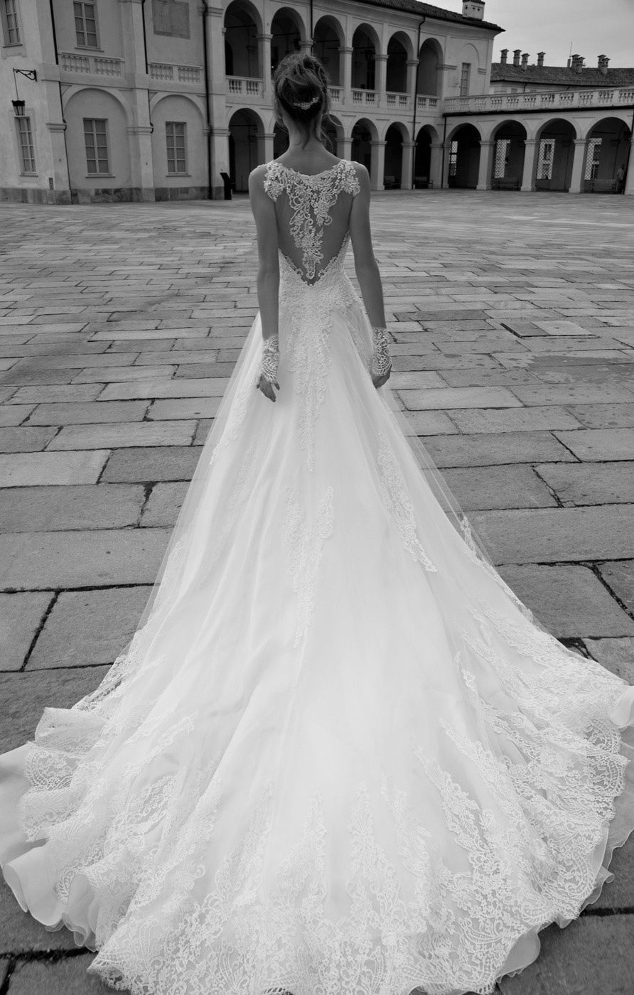 Love the back detail of this wedding dress, fairytale illusion lace back wedding dress,2016 wedding dress