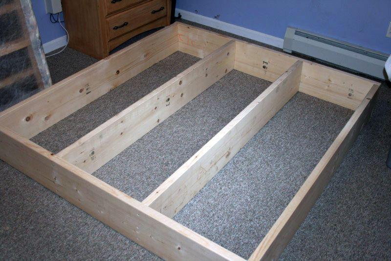schicke und un bliche bettrahmen ideen auch zum selber bauen familienbett. Black Bedroom Furniture Sets. Home Design Ideas