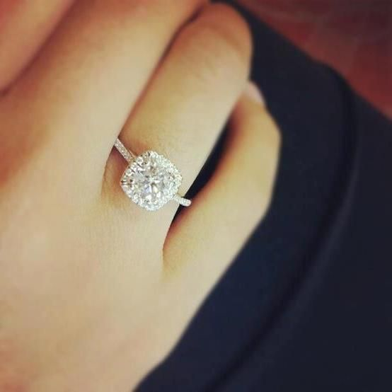Beautiful Engagement Ring On Finger Photos 1 Engagement Rings On Finger Wedding Rings For Women Beautiful Engagement Rings
