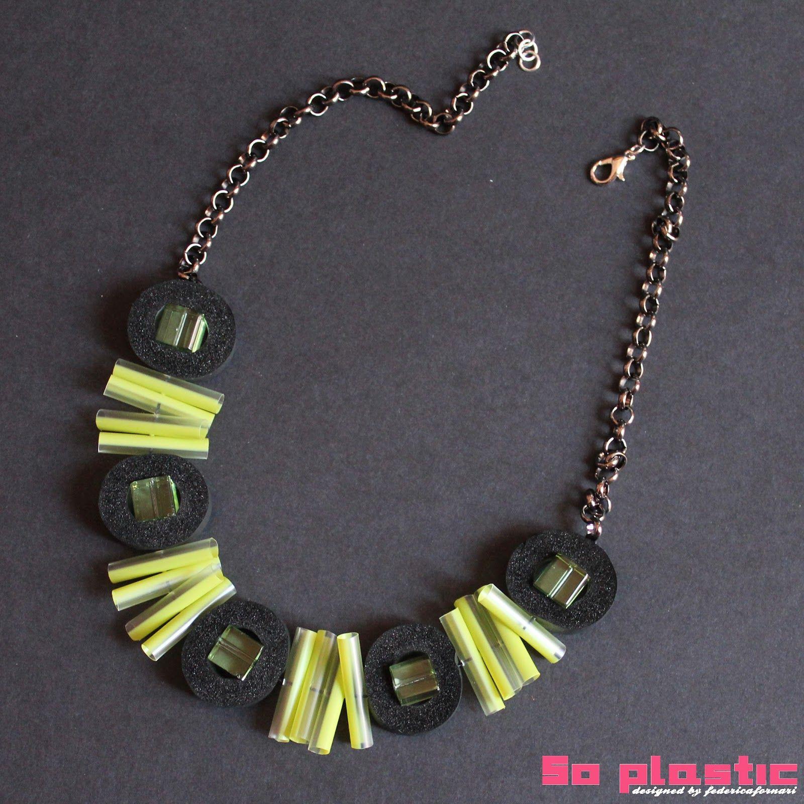 http://soplasticdesign.blogspot.it/  Jewelry Straws!