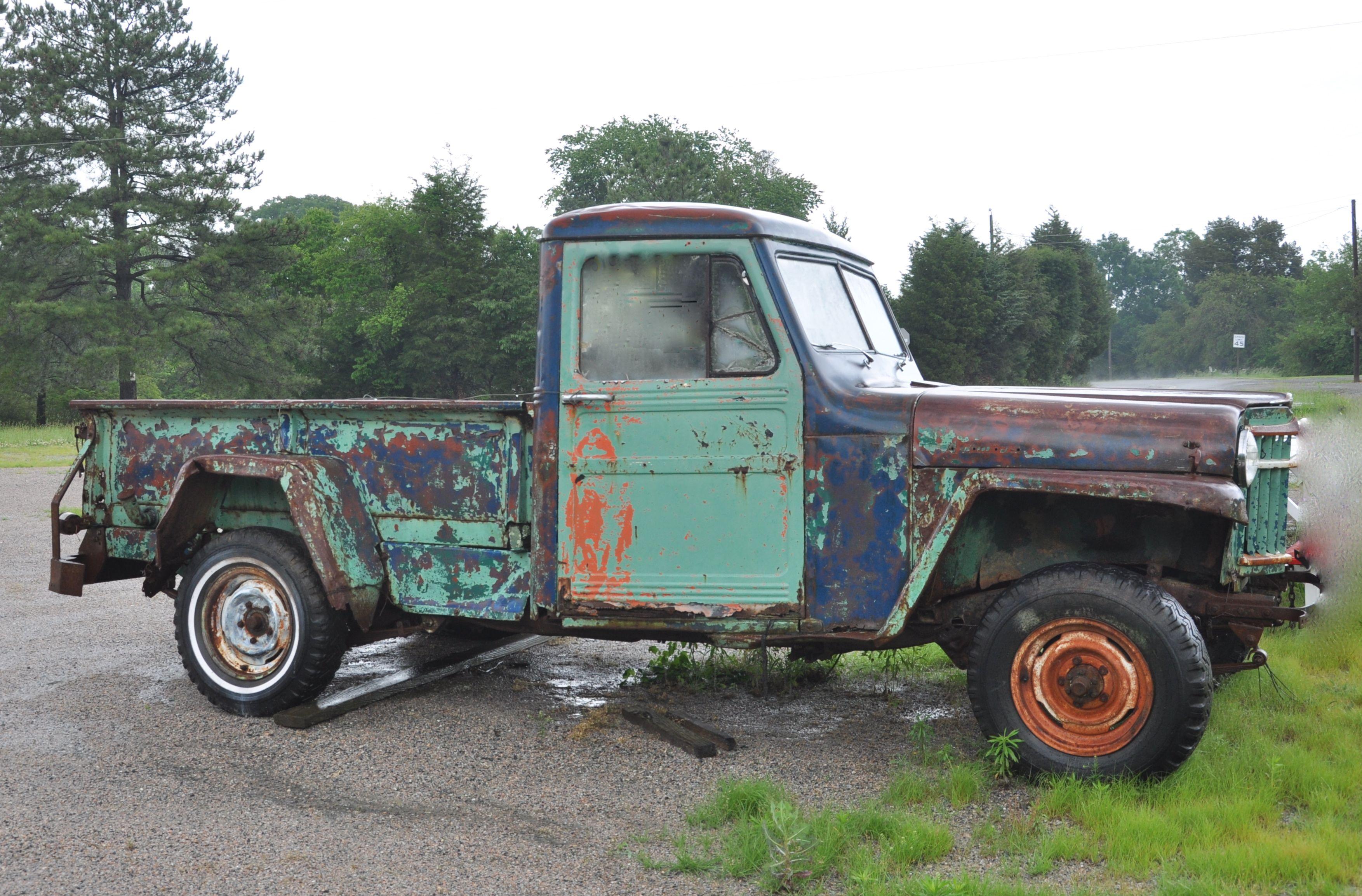 Another Old Truck In Essex County Va Trucks Monster Trucks Old Trucks