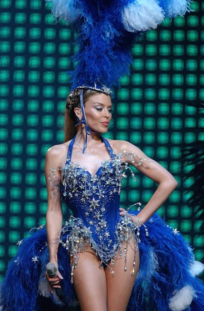 Minogues kylie greatest showgirl outfits time fotos