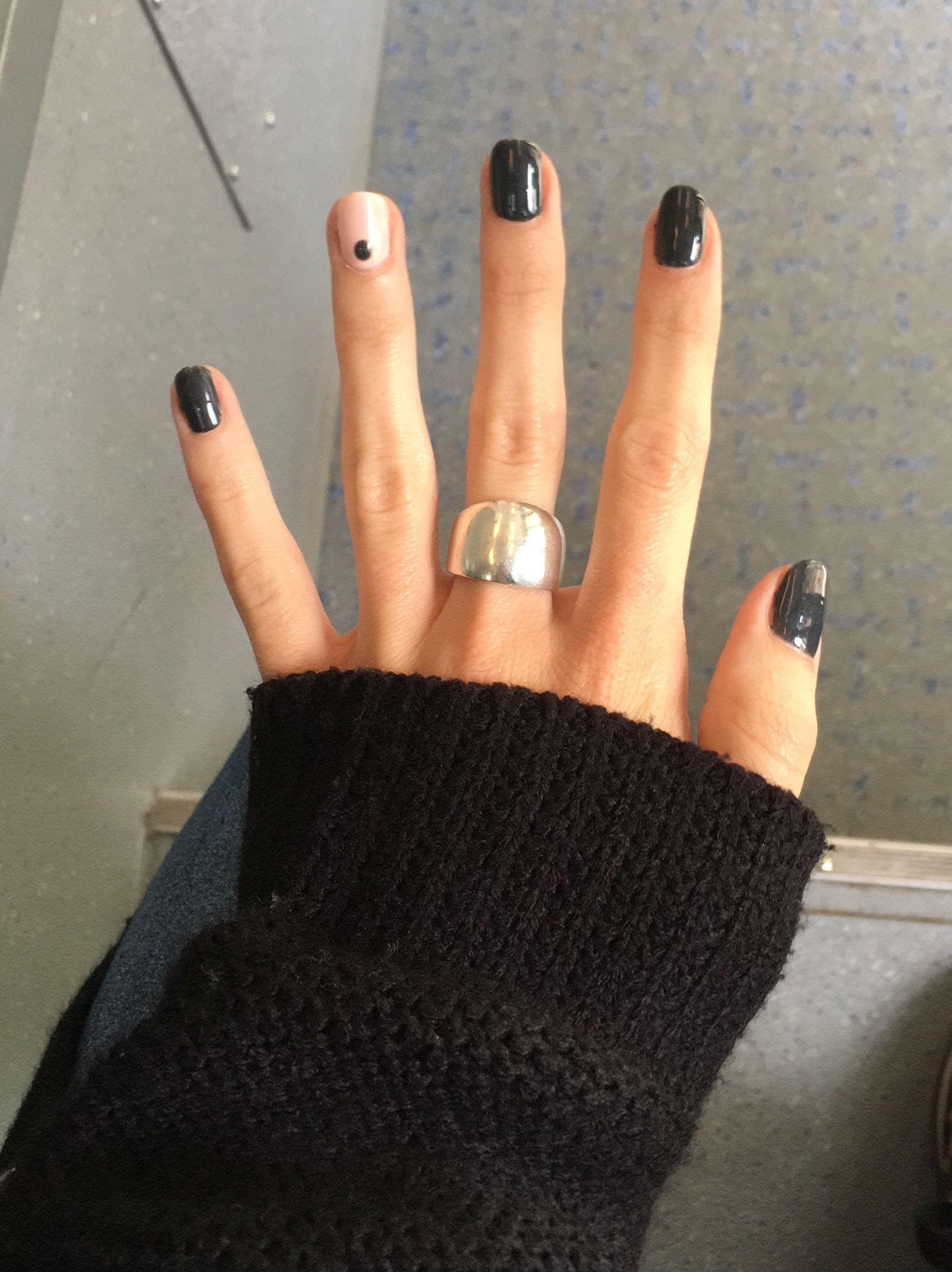 Black Nails With Single Nail Dot Nail Art Nail Ideas Nail Inspiration Manicure Pointed Nails Minimal Nails Minimalist Nails