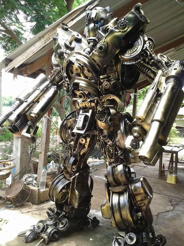 20 ft Transformers Made from Old Car Parts | Transformers ...