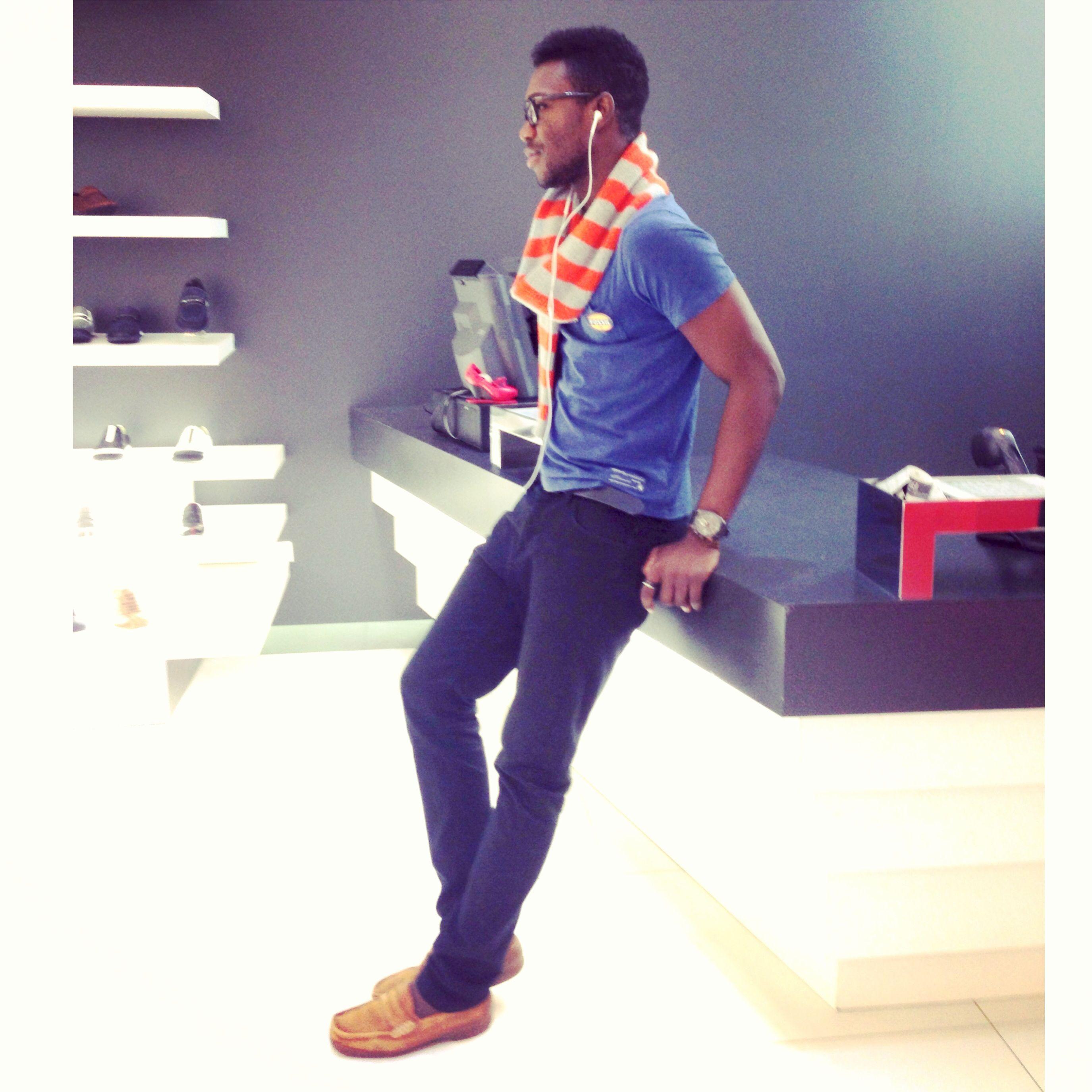 Men's fashion / men's style , hair , scarf , pant,  be fashionable . Rock ur style