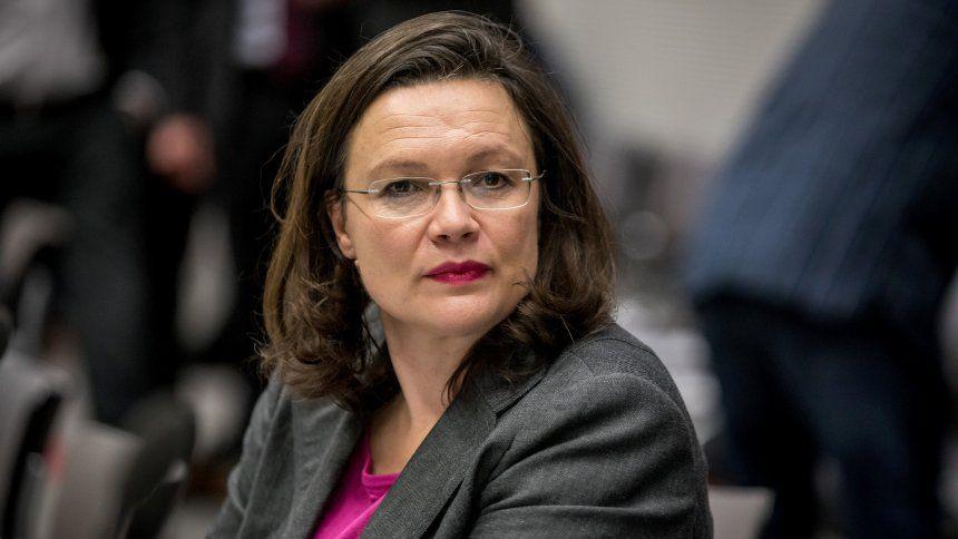 Spd Andrea Nahles Richtet Appell An Jusos Spiegel Online Andrea Nahles Guter Lebenslauf Sigmar Gabriel