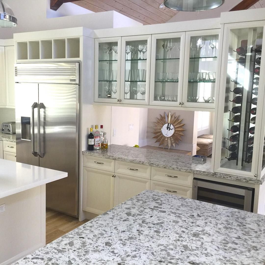 Tips For Modern Florida Kitchen Designs 1. Follow All Kitchen Safety  Guidelines To Achieve Best Results 2. Always Aim To Achieve This Balance  For A Smart ...