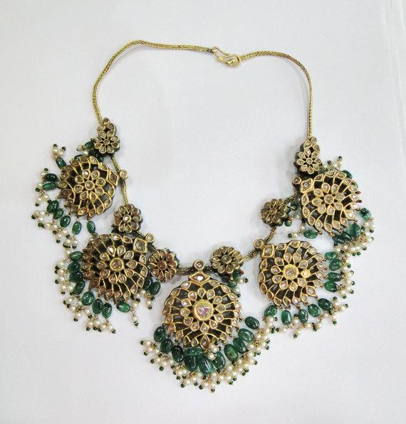 Vintage antique handmade 20K Gold jewelry Diamond polki emerald