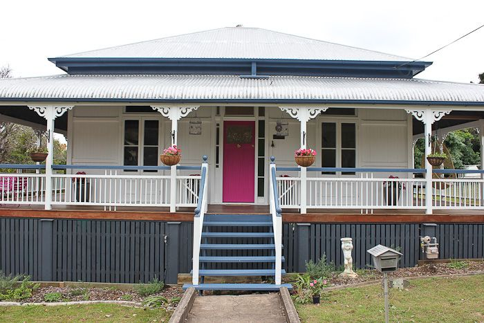 East ipswich queenslander walk among the homes for Front door queenslander