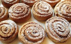 Soooo lecker! Unser Lieblingsrezept für die besten, schwedischen Zimtschnecken teilen wir gerne mit Euch!