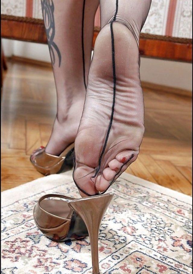 Angela Feet