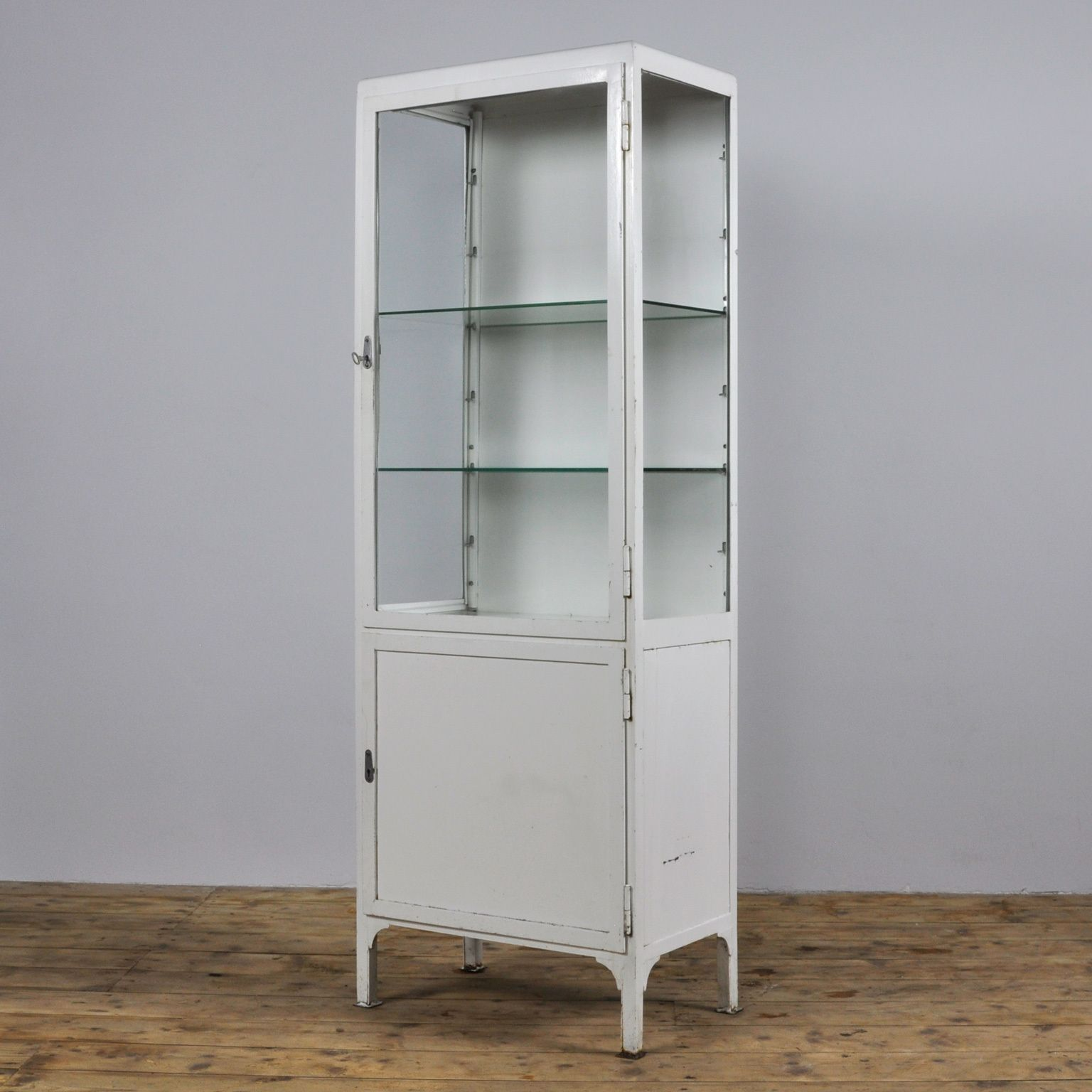 Vintage Iron And Glass Medicine Cabinet 1960s Vintage Medicine Cabinets Medical Cabinet Antique Medicine Cabinet [ jpg ]