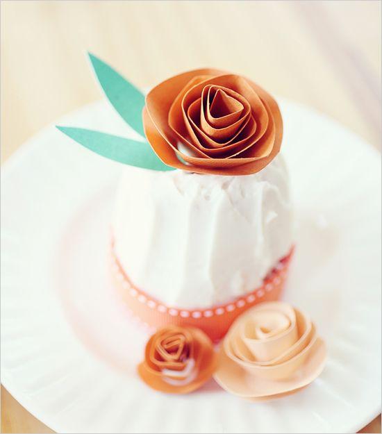 Do it yourself wedding cake decor flor de papel flor y papel do it yourself wedding cake decor solutioingenieria Images